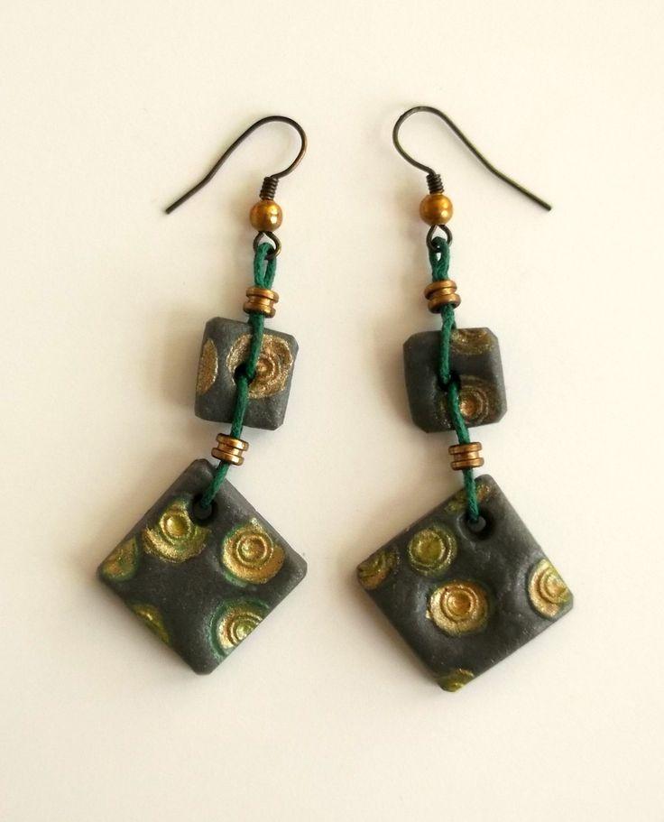 orecchini verdi fatti a mano limited edition di LaBottegadimarika su Etsy
