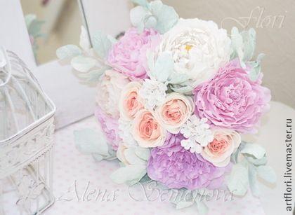 Букет невесты из пионов и роз.. Букет невесты из розовых пионов и роз молочно-персикового цвета с зеленью мятного цвета (цвета тиффани) Цветы не боятся воды, лепестки мягкие ,не ломаются. Букет можно использовать как основной или как дублер (можно…