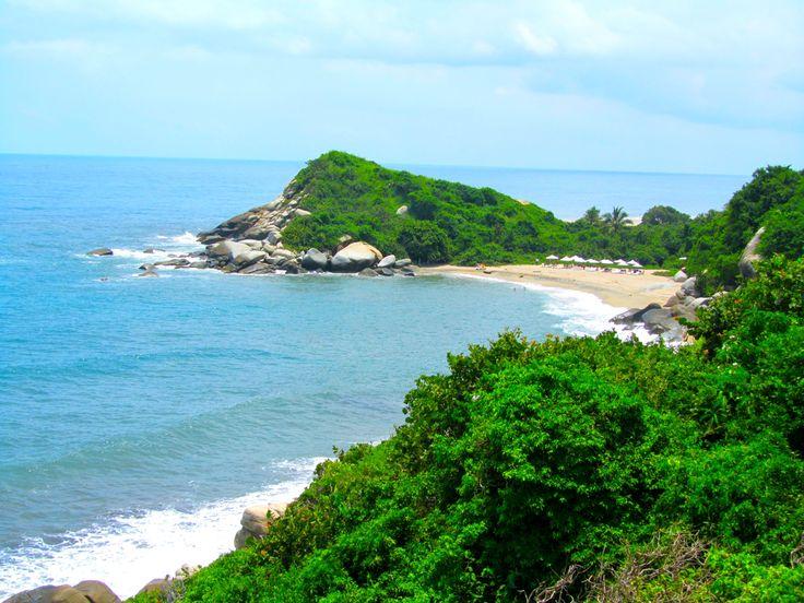 Algo relacionado al clima en Colombia es Tropical