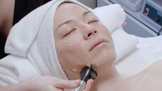 How Radio Frequency Facials Really Work [Video] -   Joanna Vargas is well known for top-of-the-line, holistic, non-invasive skincare.  Yahoo Beauty  http://tvseriesfullepisodes.com/index.php/2016/05/15/how-radio-frequency-facials-really-work-video/