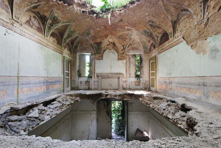 Fascinerende billeder af Europas faldefærdige paladser