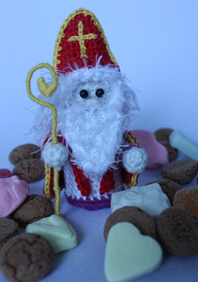Gehaakte Sinterklaas: gratis haakpatroon om een Sint te haken (free crochet pattern)