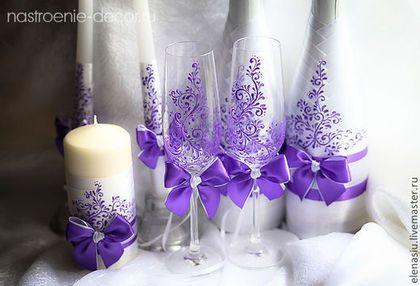 Купить или заказать Оформление 2-х бутылок  на свадьбу с росписью в интернет-магазине на Ярмарке Мастеров. Оформление бутылок на стол жениха и невесты в сиреневом цвете Цена за оформление 2-х бутылок Бутылки можете предоставить, или могу купить необходимое. В едином стиле можно сделать комплект - бокалы-свечи-подушечку-папку и другие детали.