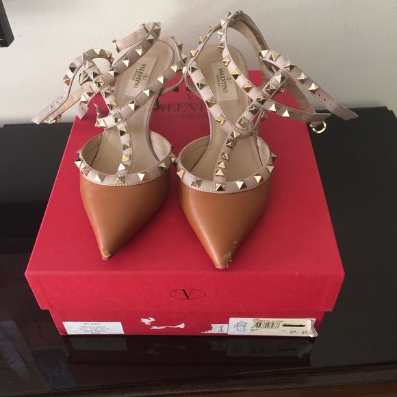 Valentino Rockstud shoes Gently used Valentino Shoes Heels