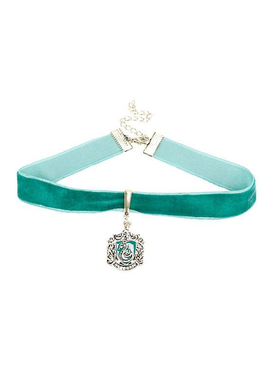 This velvet choker that will add flair to any drab Hogwarts uniform. | 35 Perfectly Cunning Gifts For Slytherins