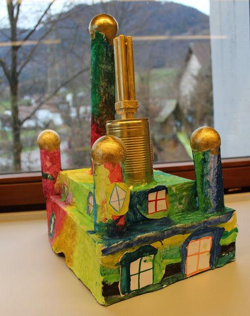 CLASS ART: Hundertwasser houses