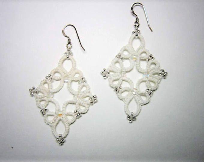 Orecchini in pizzo bianco, bianchi orecchini, orecchini perline, gioielli di perline, orecchini in pizzo, Tatted gioielli orecchini, gioielli Sexxy, pizzo, Abiti da sposa