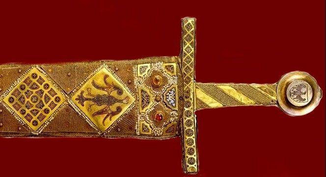 Spada da cerimonia di Federico II realizzata a Palermo, ante 1220