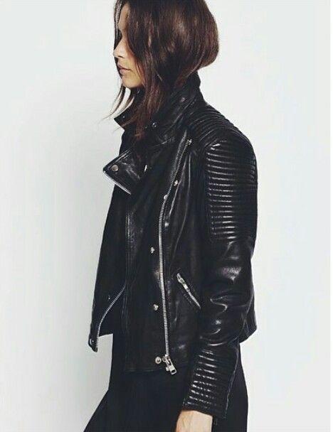 black ribbed moto jacket #leather #style #fashion