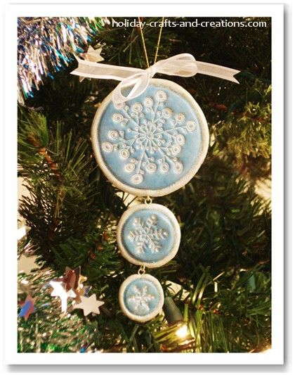 Easy To Make Christmas Ornaments from this site:  http://www.holiday-crafts-and-creations.com/easy-to-make-christmas-ornaments-stamped.html#