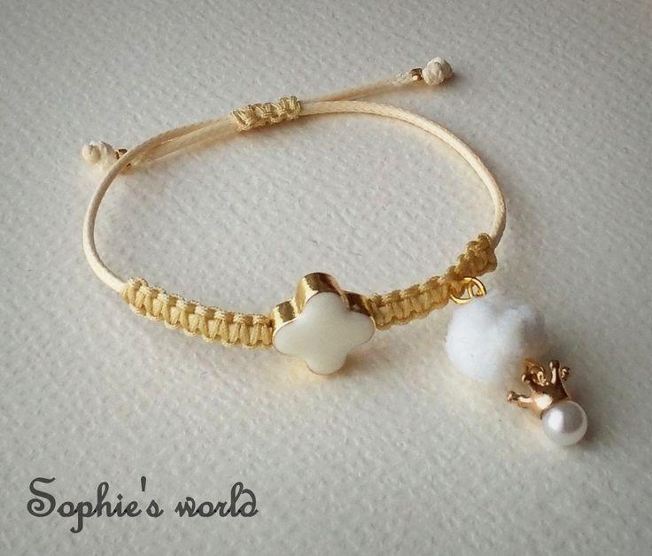 βραχιόλι μακραμέ με σταυρό, πον πον κ κορωνίτσα #bracelet #nude #handmade https://www.facebook.com/SophiesworldHandmade/