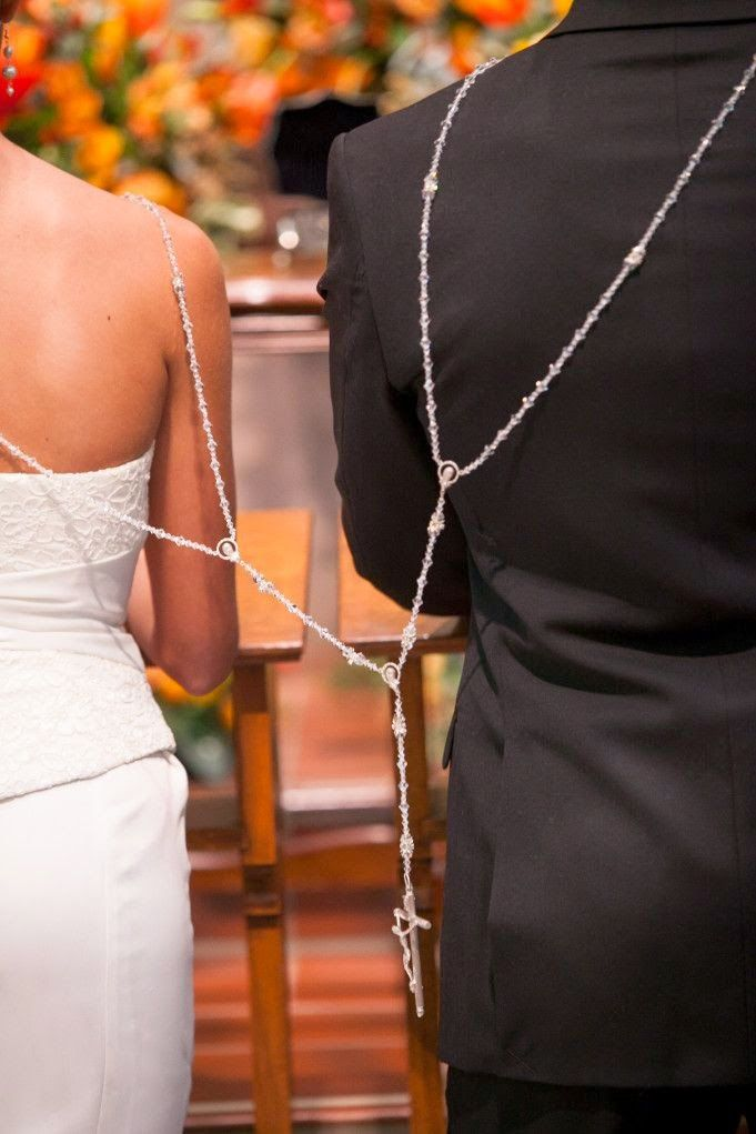 Mexican Wedding Traditions : The Lasso Cermony