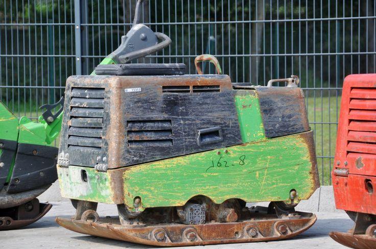 Bomag Rüttelplatte 735 Kg günstig 2.900,- € Bj 2005 mit Fernbedienung Bomag Baumaschinen Rüttelplatte grün mit Fernbedienung siehe Bilder günstig zu verkaufen http://www.ito-germany.de/baumaschinen/angebote/verdichtungstechnik-kaufen-verkaufen/bomag-bph-8065-s-gebraucht/ #wacker #platecompactor #pelle #minibagger #baumaschinen #machinerypark #kramer #radlader#volvo #liebherr #komatsu #hitachi #caterpillar #auctioneer