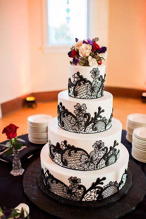 red black wedding cake pictures black lace wedding cake with purple and accents http 19118