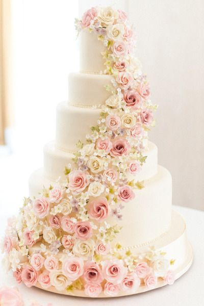 white wedding cake decorated with sugar flowers - Deer Pearl Flowers