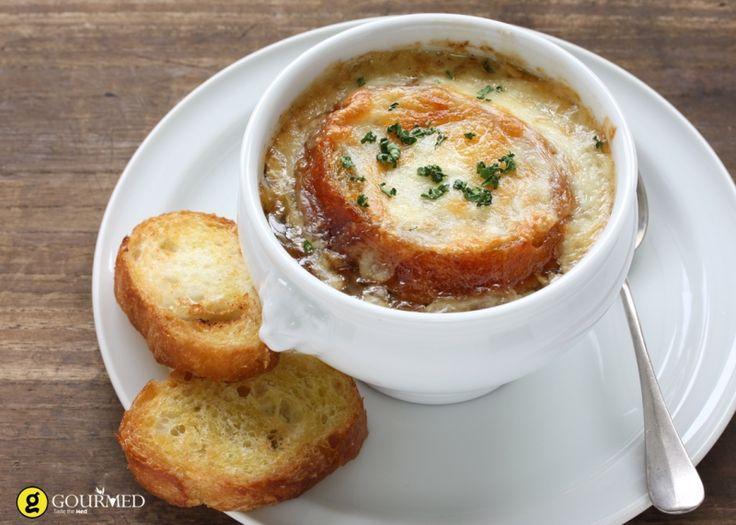 Κλασσική Γαλλική κρεμμυδόσουπα με κρουτόν - gourmed.gr