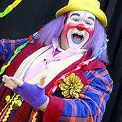 Fizbo the Clown | Modern Family Recaps - Episode Guide | TV | EW.com