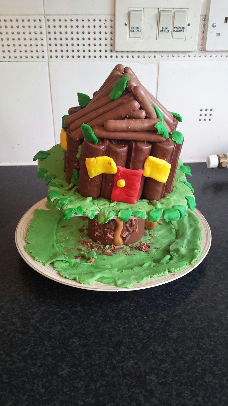 Tree house birthday cake