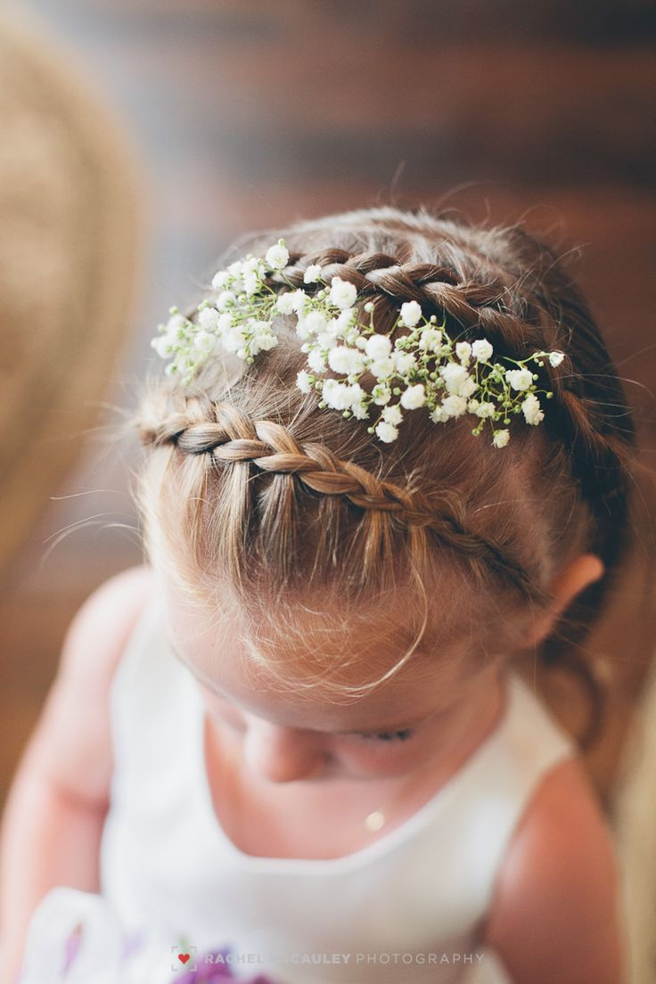 Baby's breath and braids. A sweet hairstyle for the flower ...
