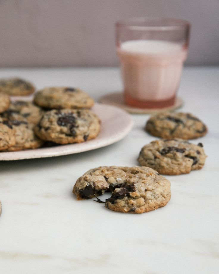 Oatmeal Chocolate Chip Cookies – A Cozy Kitchen