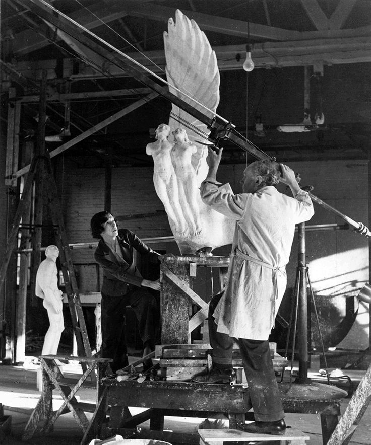 Gertrude vanderbilt whitney working in studio historic