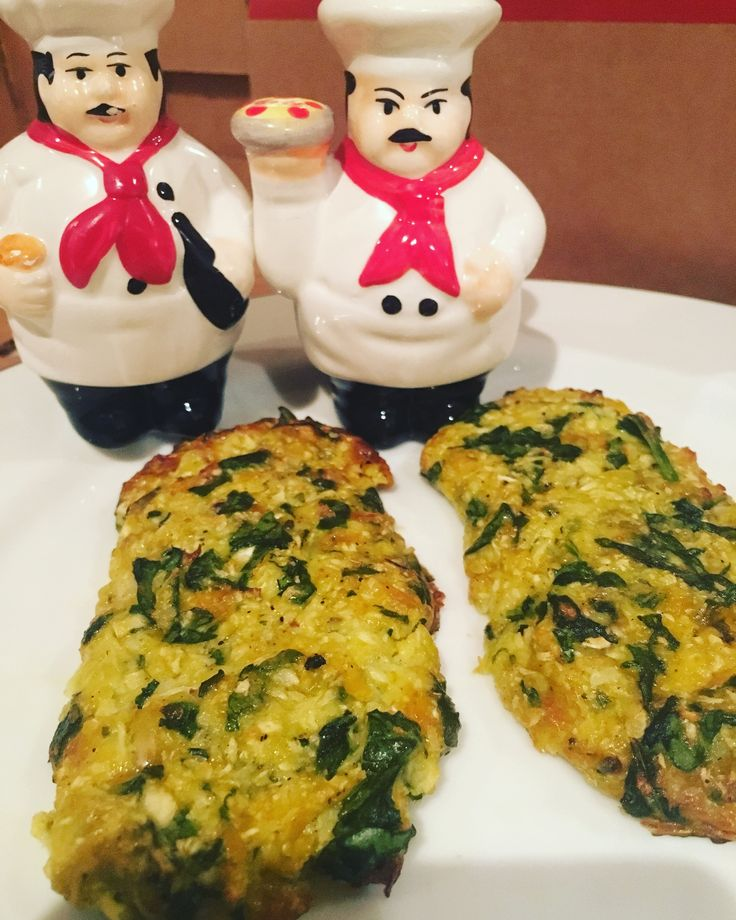 Spinach, cauliflower and cheese patties. Grate cauliflower and microwave for two minutes. Add chopped spinach, salt, spices, one egg, two table spoon flour and grated cheese. Bake at 350 degrees for 20 minutes.
