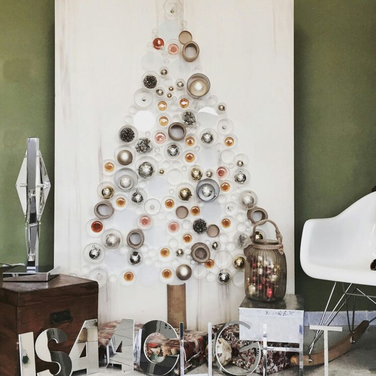 #isaaclight lights up your Christmas! Book your tree! Christmas decorations for your home