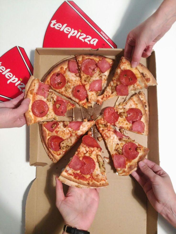 ¿Te has sumado ya a la #campañasolidaria #xtumirada?  Nuestros amigos de Telepizza España , que ya nos acompañaron en la inauguración de la #exposiciónfotográfica , han diseñado este #packaging tan especial...¿No os encanta?