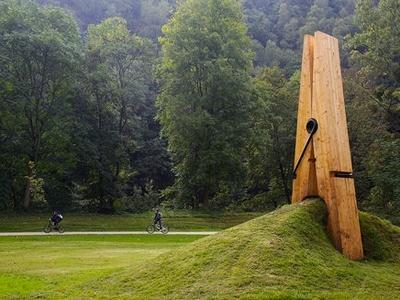 Exposition d'Art contemporain dans le parc de Chaudfontaine. Very cool!