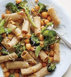 Rigatoni with roasted broccoli and chick peas