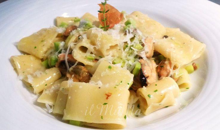 Calamarata con cozze, caciotta sarda semistagionata, zucchine trombette - Ristorante Il Muma Borgio #Verezzi