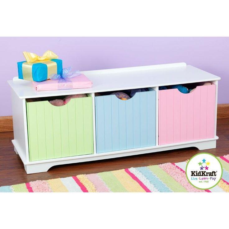 Banco almacenaje de la marca KidKraf para emplear como cómoda, mueble de pié de cama o almacenaje de juguetes. Sirve también de banco para sentarse.