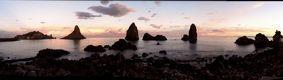 """""""Acitrezza, faraglioni al tramonto"""" -  Fotografia. -  Mario Amastray"""
