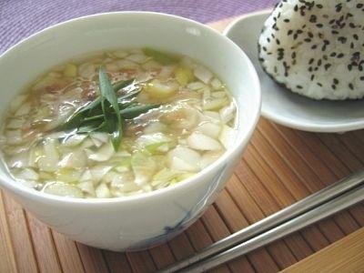 寒い季節は風邪や冷えが気になりますよね。しょうがを使ったスープはカラダの芯から温まります。忙しい朝は即席スープ、ダイエットにはヘルシースープ、満腹になる具だくさんスープと使い勝手のよいレシピ10選です。