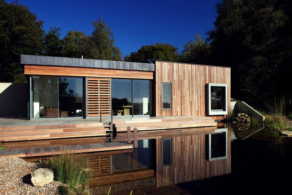 Amazing Woden Wall Exterior from Best Retreat House Design by New Forest House in UK 600x401 Best Retreat House Design by New Forest House, in UK