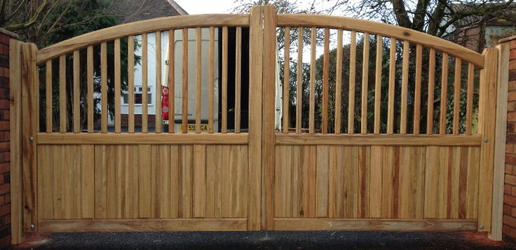 Bow top Spindle Top Driveway Wooden Gates, Redwood And Siberian Larch Wooden Gates, Idigbo Wooden Gates