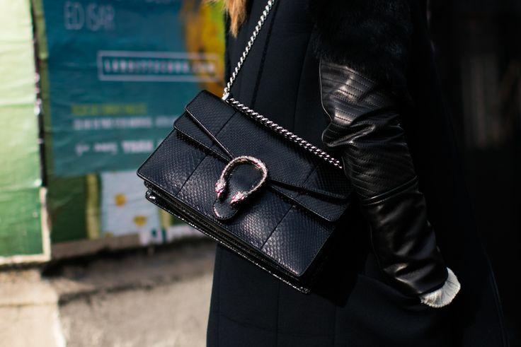 Sac Gucci noir à la Fashion Week automne-hiver 2016-2017 de Paris