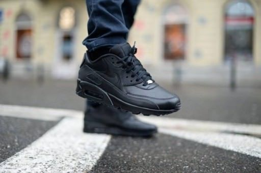 83f4c34d9be27 NIKE AIR MAX 90 LEATHER - LE ALL BLACK 302519-001 DS TRAINERS IN ALL ...