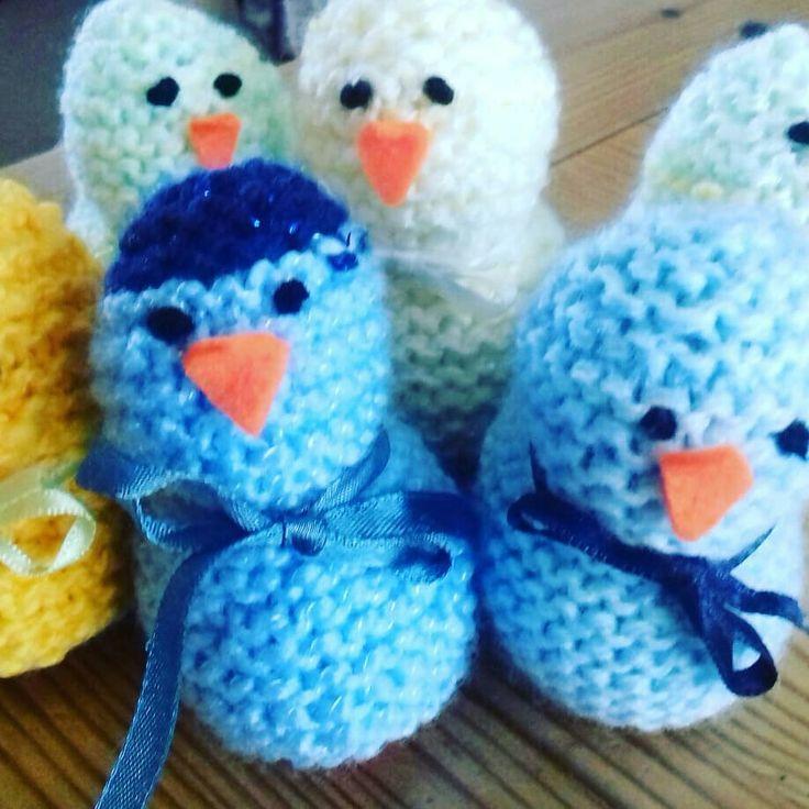 1/2 a dozen Easter chicks 🐣