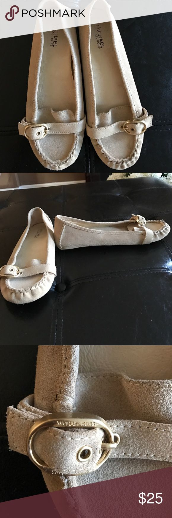 Michael Kors suede flats Fabulous pair of Michael Kors flats Michael Kors Shoes Flats & Loafers