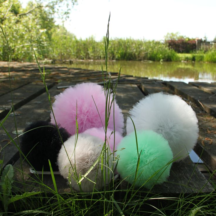 Like a rainbow! Gorgeous pompons- home decor in the garden.