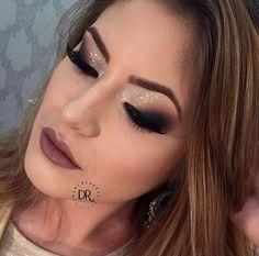 http://www.pausaparafeminices.com/tutorial-make/maquiagem-esfumada-diagonal/#more-31384