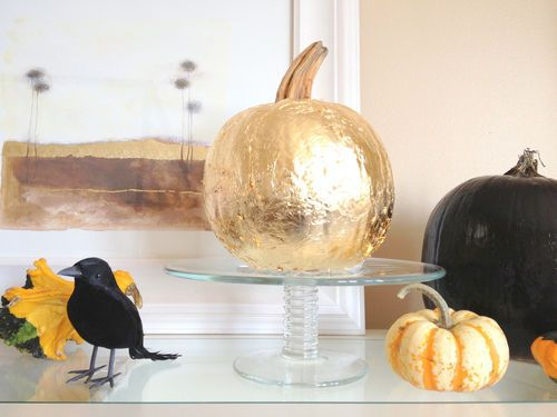 Cheap Thanksgiving decorations -- some really cool ideas in here! http://thestir.cafemom.com/home_garden/146195/5_ways_to_decorate_your?utm_medium=sm&utm_source=pinterest&utm_content=thestir