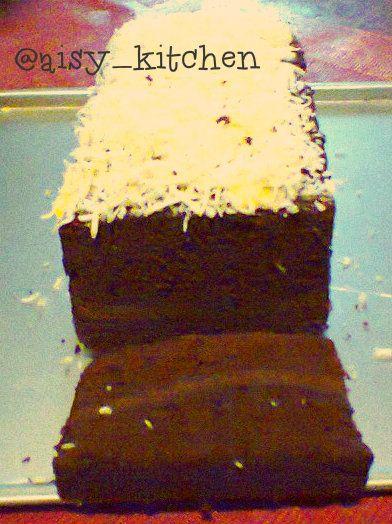 """Brownies ala Ny. Liem"" ...brownies versi kukus...rasanya lembut dan yummy....:)"