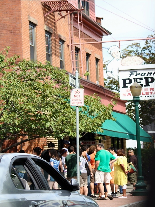 The wait outside Frank #Pepe's #Pizzeria #Napoletana Wooster Street New Haven