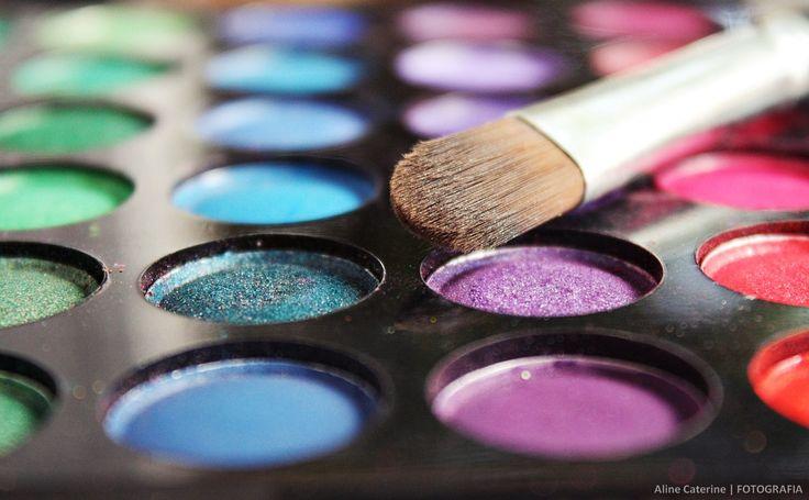 Por Juleny García González  A la hora de comprar maquillaje siempre pensamos en buscar un producto que nos funcione y luzca bien en nuestro rostro pero, ¿sabías que muchos de esos maquillajes son probados en animales?  En el mercado existen muchas marcas y una triste realidad es que muchas de ellas crean sus productos haciendo pruebas en