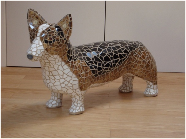 Dogs in Art at the StockBridge Gallery - Corgi Mosaic Dog Sculpture by Sue Edkins, SOLD - but others available to order (http://www.dogsinart.com/products/Corgi-Mosaic-Dog-Sculpture-by-Sue-Edkins.html)