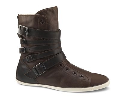 Leather Converse boots. Oh my word, this is awesome.