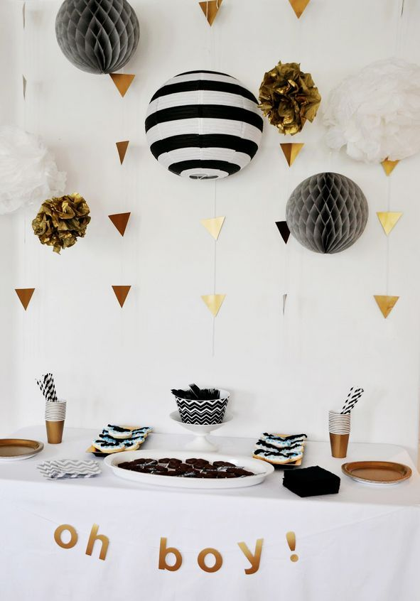 Super cute and simple black and white party table set-up