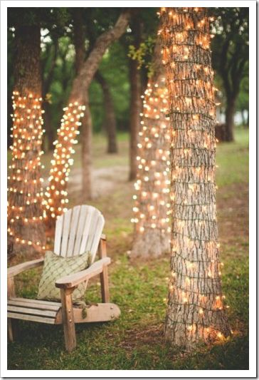 I need to create a space like this in my back yard... it would be perfect for an evening chat with my husband, or a romantic dinner for two